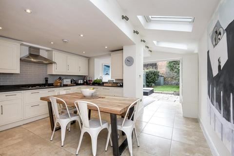 4 bedroom terraced house for sale - Winfrith Road, Earlsfield