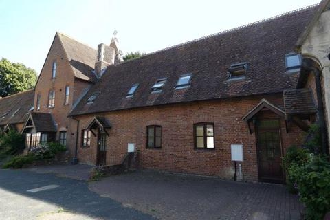 3 bedroom terraced house to rent - 6 St Mary's Court , Church Lane, Canterbury CT1 2PP