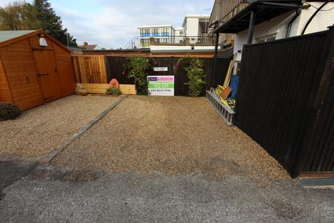 Parking to rent - Lower Addioscombe Road, Addiscombe, CR0