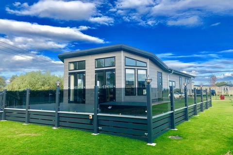 3 bedroom lodge for sale - TATTERSHALL LAKES, TATTERSHALL