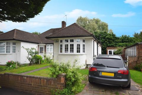 3 bedroom semi-detached bungalow for sale - Lime Grove, Twickenham