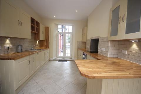 4 bedroom detached house to rent - Church Street, Stoke, Plymouth
