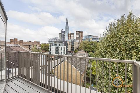 3 bedroom end of terrace house to rent - Weston Street, London, SE1