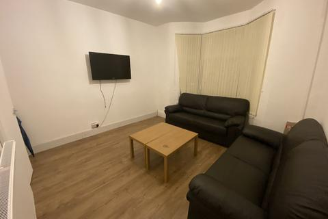 4 bedroom house share to rent - Pershore Road, Selly Park, Birmingham, West Midlands, B29
