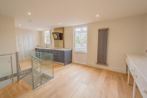 2 bedroom ground floor maisonette to rent - Henrietta Street, Bath