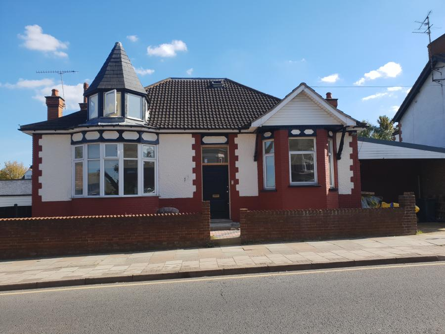 Fantastic 6/7 hmo bedroom bungalow available for