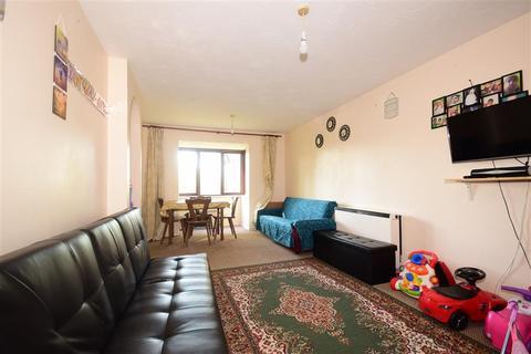 2 bedroom flat for sale - Waterside Close, Barking, Essex