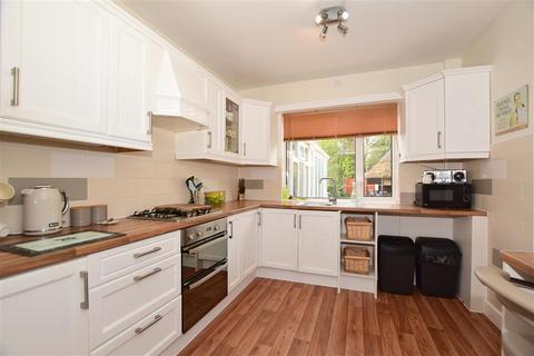 4 bedroom semi-detached house for sale - Elmley Way, Margate, Kent