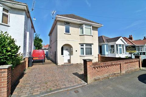 3 bedroom detached house for sale - Kinson Grove, Bournmouth