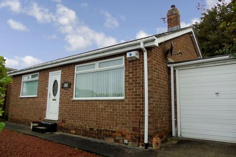 2 bedroom bungalow to rent - St. Ronans View, Harlow Green, Gateshead, Tyne & Wear, NE9 7TF