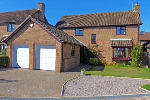 4 bedroom detached house for sale - Priors Gate, Peterborough PE4
