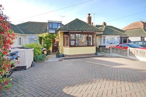 3 bedroom semi-detached bungalow for sale - Wallwood Road, Ramsgate