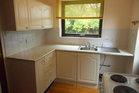 2 bedroom flat to rent - Anderby Close, Hatsholme, Lincoln LN6