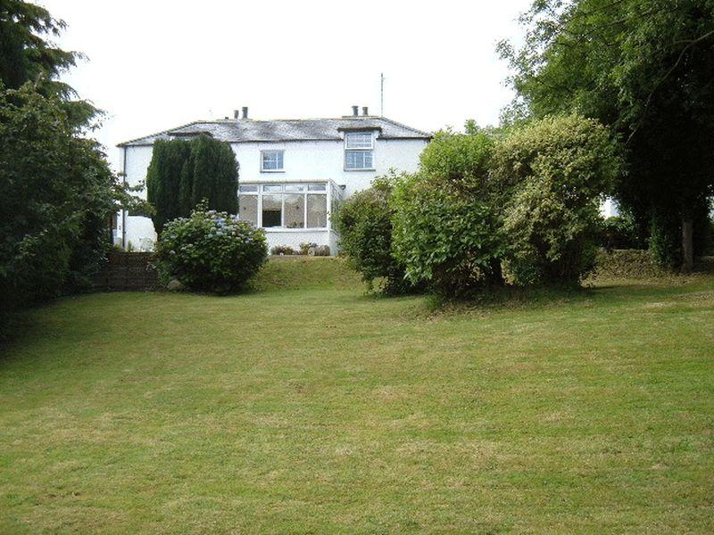3 Bedrooms Detached House for sale in Llanllechid, Gwynedd