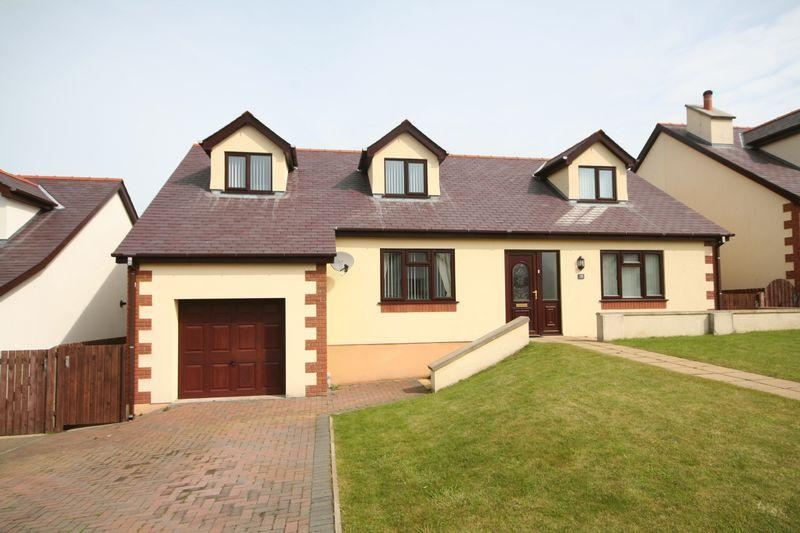 4 Bedrooms Detached Bungalow for sale in Cemaes Bay, Anglesey