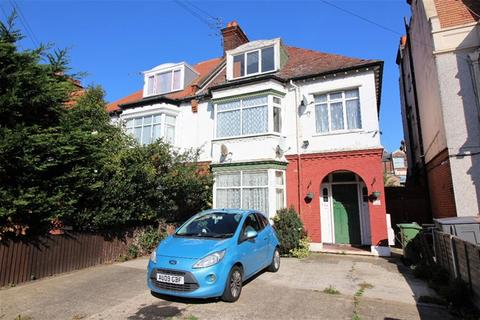 2 bedroom flat for sale - 24 Penfold Road, Clacton on Sea