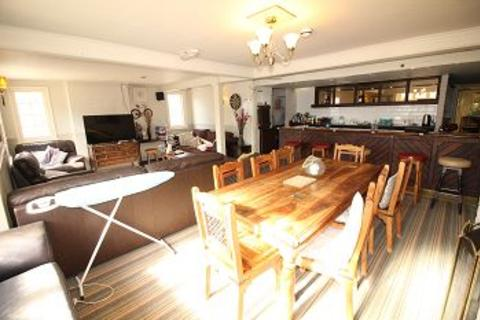 8 bedroom end of terrace house for sale - Springfield Road,  Chelmsford, Essex, CM1 7RA