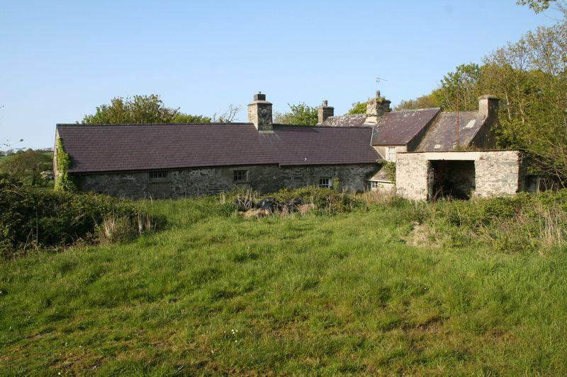 4 Bedrooms Farm House Character Property for sale in Llanfairynghornwy, Anglesey
