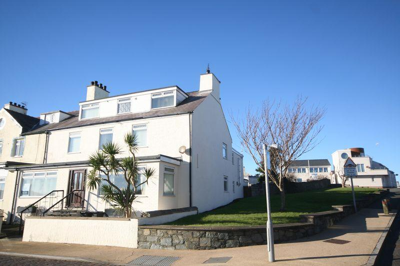 11 Bedrooms Semi Detached House for sale in Holyhead, Anglesey