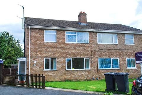 2 bedroom maisonette to rent - Pinemount Road, Hucclecote, Gloucester, GL3