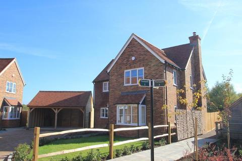 3 bedroom detached house to rent - Fishers Road, Staplehurst, Kent, TN12 0DD