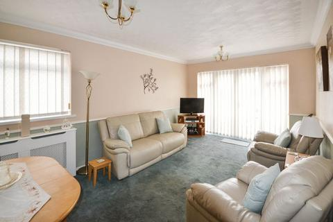1 bedroom apartment for sale - Gordon Road, Stanford-Le-Hope