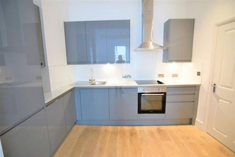 5 bedroom apartment to rent - Western Road, Hove