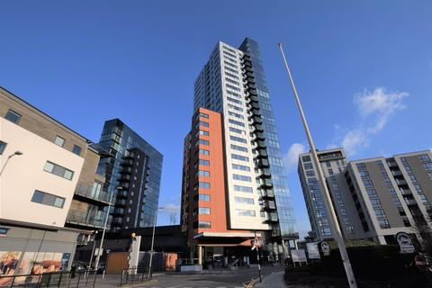 2 bedroom apartment to rent - The Moresby Tower, Ocean Way, Ocean Village, Southampton, SO14 3LF