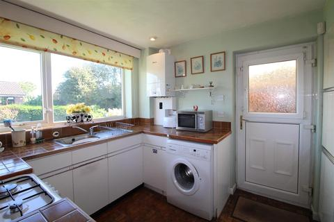 3 bedroom farm house for sale - Holt Park Road, Leeds