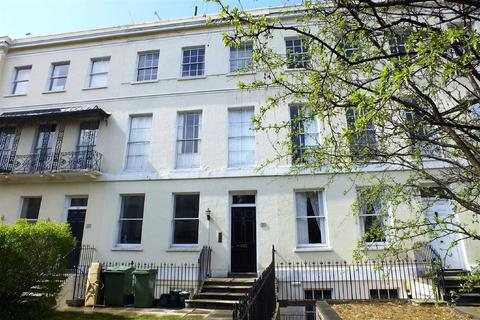 2 bedroom flat to rent - Evesham Road, Pittville, Cheltenham