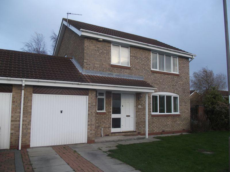 4 Bedrooms Link Detached House for sale in Osier Court, Stakeford, Four Bedroom Link Detached House