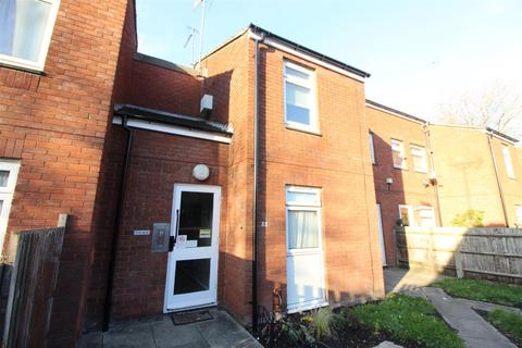 1 bedroom flat to rent - Torcastle Close, Coventry