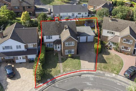 4 bedroom detached house for sale - Westcliffe Drive,Styvechale,Coventry