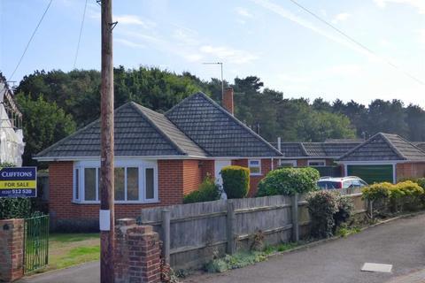 3 bedroom bungalow for sale - Frensham Close, Redhill, Bournemouth, Dorset
