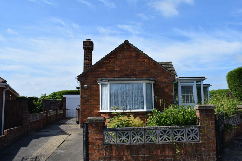 2 Bedrooms Detached Bungalow for sale in Barry Avenue, Grimsby