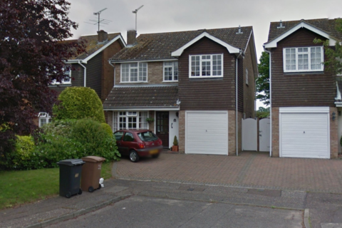 4 bedroom detached house to rent - Russell Gardens, Chelmsford, CM2
