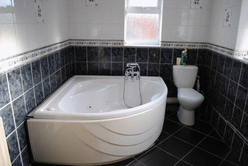3 Bedrooms Terraced House for sale in Convamore Road, Grimsby