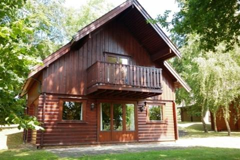 2 bedroom chalet to rent - Harleyford Estate, Henley Road, Marlow, Buckinghamshire, SL7