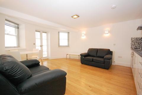 2 bedroom apartment to rent - Chapel Street, London, N1