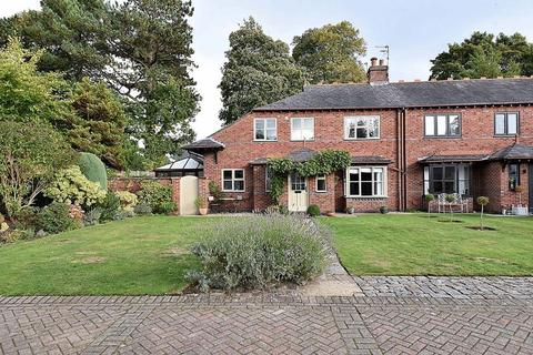 3 bedroom semi-detached house for sale - off Chelford Road, Knutsford