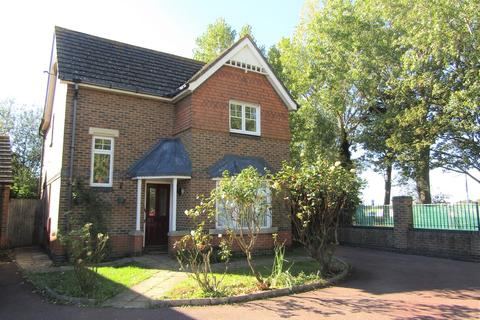 3 bedroom detached house to rent - Barham Way, Portsmouth