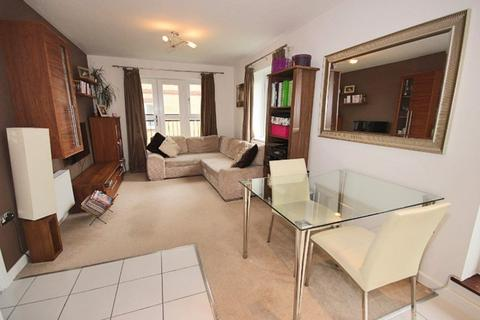2 bedroom apartment to rent - Isis House, 5 Worcester Close