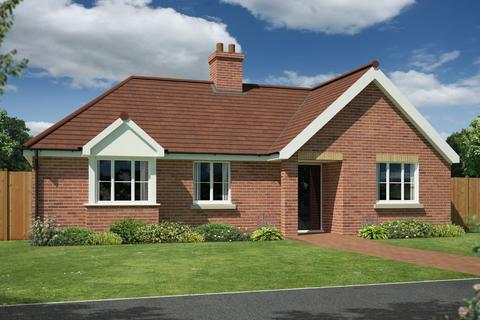 3 bedroom detached bungalow for sale - Kirby Cross, Frinton-on-Sea