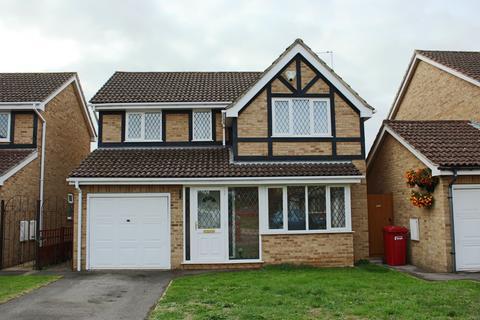 4 bedroom detached house to rent - Portland Close Burnham Buckinghamshire