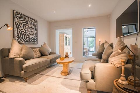 2 bedroom cottage for sale - Victoria Cottages, Kew