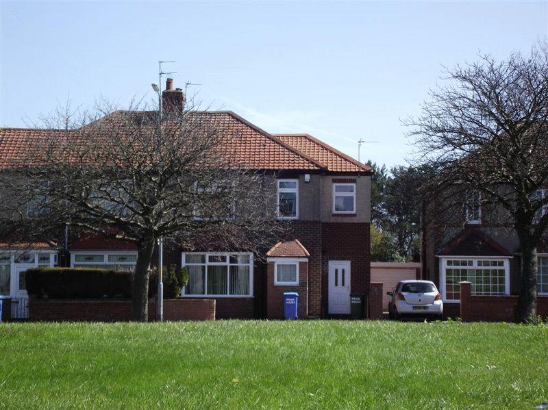 4 Bedrooms Semi Detached House for sale in High Pit Road, Cramlington