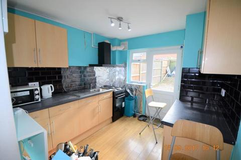 5 bedroom terraced house to rent - Fladbury Crescent, Selly Oak