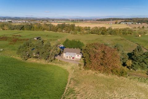 3 bedroom detached bungalow for sale - 6 Humbie Holdings, Kirknewton, EH27 8DS