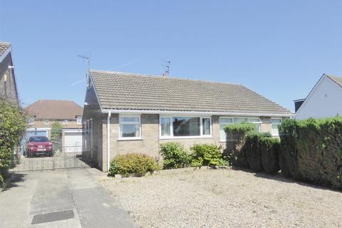 2 bedroom semi-detached bungalow to rent - Carrfield, Woodthorpe, York