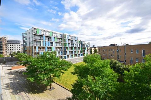 2 bedroom penthouse to rent - Warren Close, Cambridge, Cambridgeshire, CB2